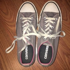 GREY AND PINK CONVERSE SIZE 7